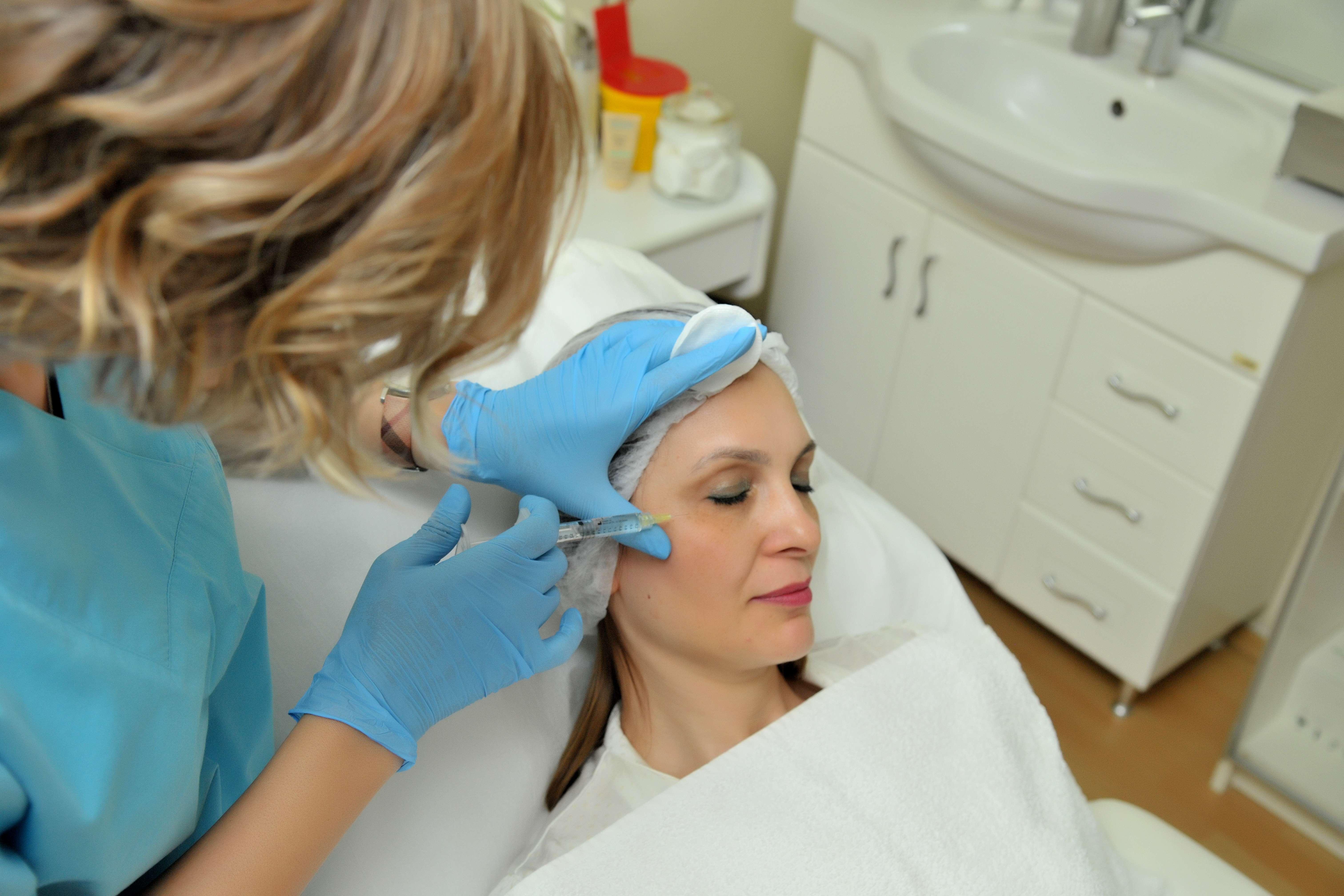 Kaz Ayakları İçin Botox: Göz Çevresine Botoks